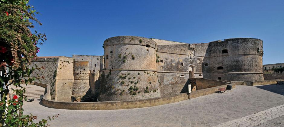 2-castello-aragonese-otranto